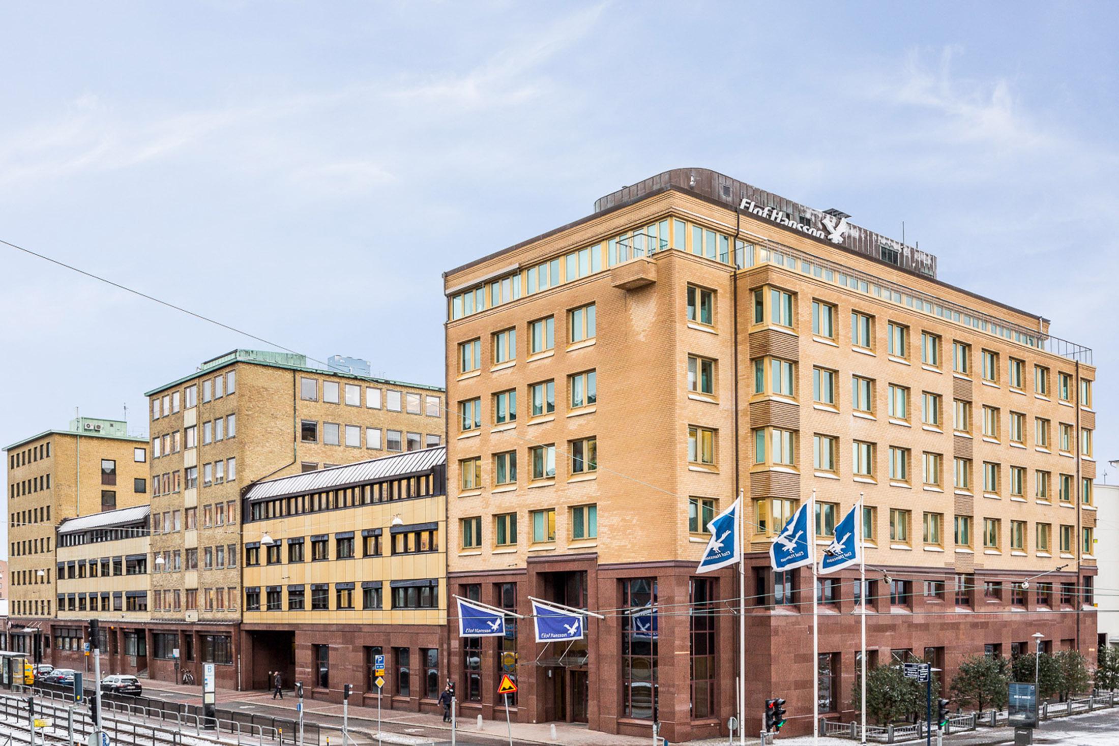 Fastighet på Första Långgatan 17-21.